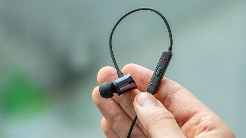 OnePlus Bullets Wireless remote2