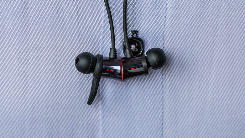 OnePlus Bullets Wireless magnetic